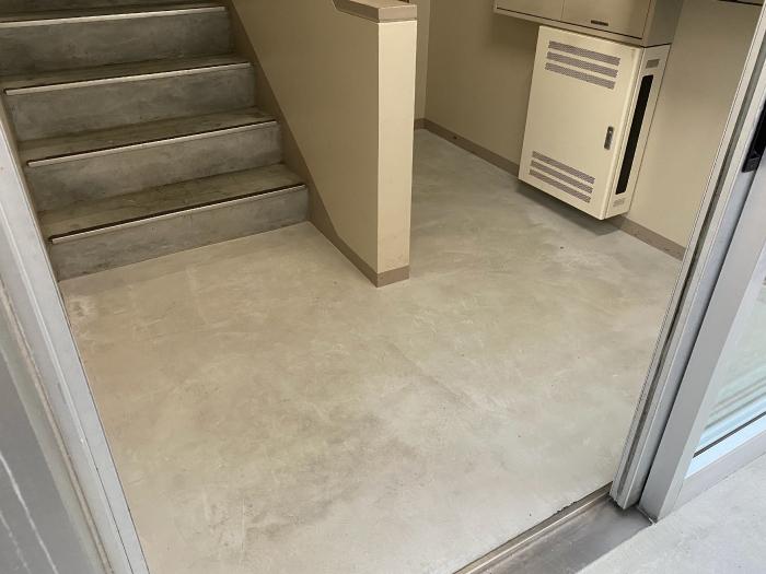 マンション入り口共用スペースの土間コンクリート補修完了写真