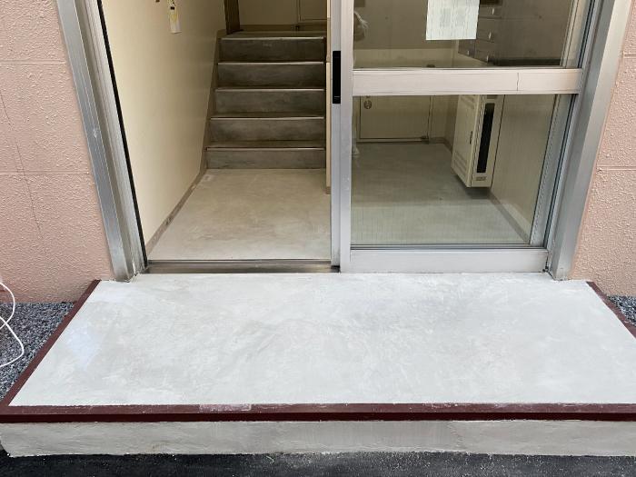 マンション入り口の土間コンクリート補修、施工完了写真
