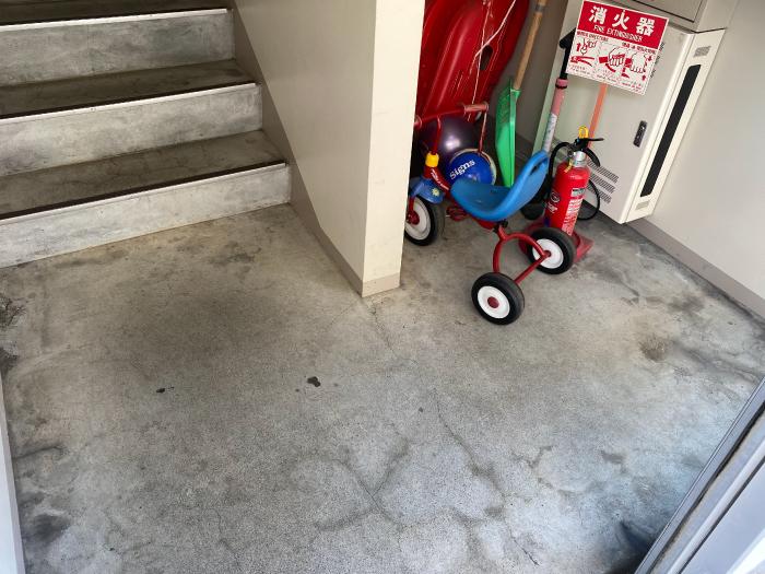 マンション入り口共用スペースの施工前写真