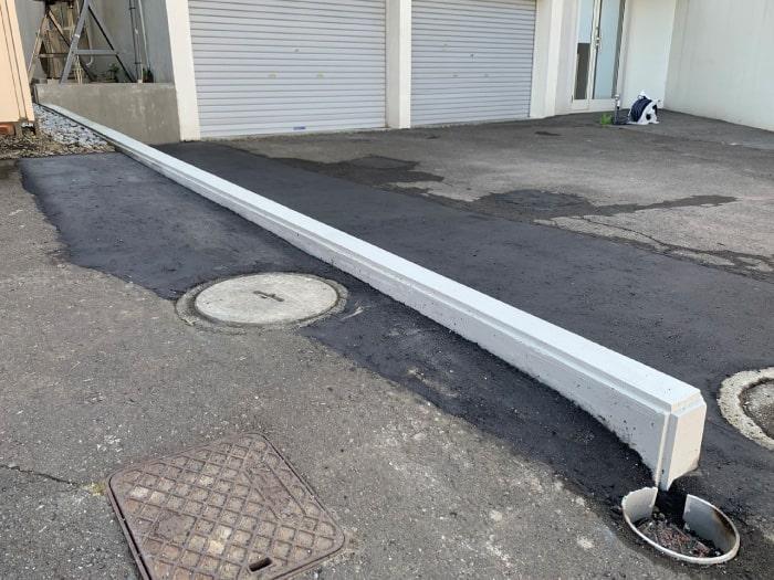 新設した土留めの周りのアスファルト舗装を復旧した写真