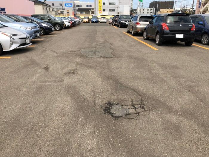 駐車場の陥没。補修工事着工前1