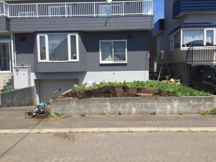 東区T様邸駐車スペースリフォーム工事施工前の写真その1